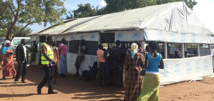 Refugees lining up to be registered in Bidibidi, November 2017. Photo: Hoff.
